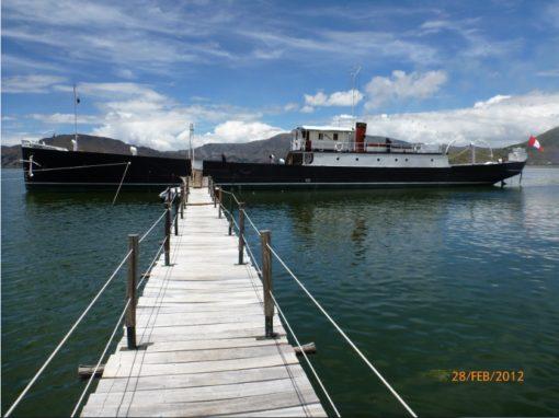 Muelle flotante de acceso a la nave